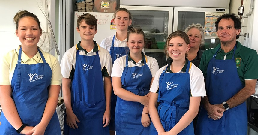 Student volunteers at Taree Community Kitchen  IMAGE