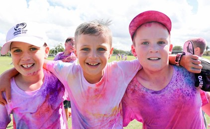 Image:Colourful day of fun in the sun for Corpus Christi Waratah