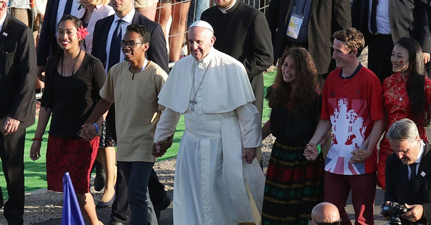 Pope Francis' Synod on Young People examines various issues IMAGE