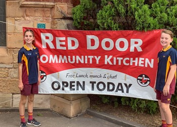 St James' Muswellbrook takes time to serve their community IMAGE
