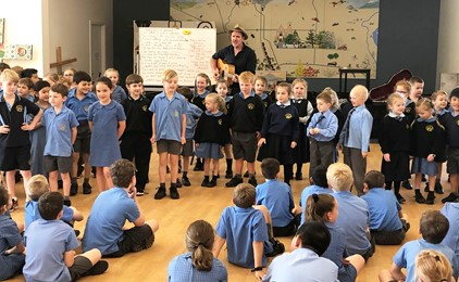 Image:Musical star visits St Mary's Scone