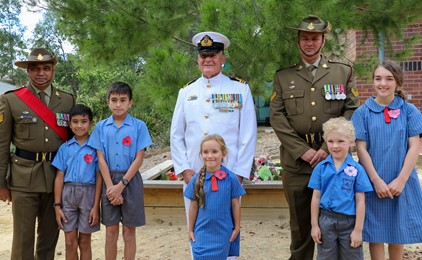 Image:ANZAC Day Commemorations at Our Lady of Victories Shortland