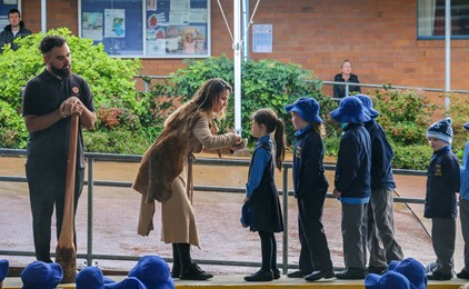Image:Wandana visits primary schools in celebration of NAIDOC Week