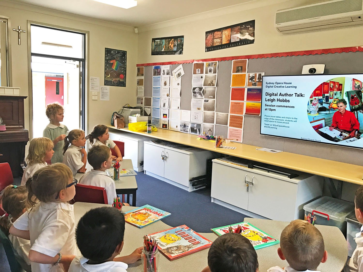 Image:Famous Author visits St Joseph's live from the Opera House