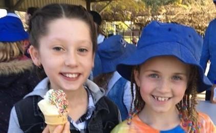 Image:Ice cream for Kesheni