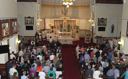 The CATHOLIC THING: What 'on earth' are Catholics doing at Sunday Mass? IMAGE