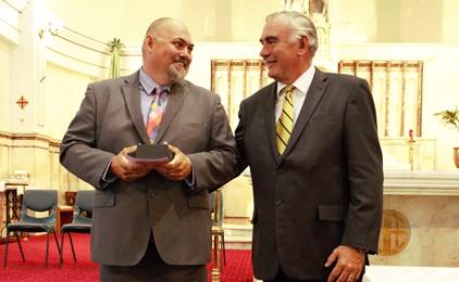 Image:Aaron Moon awarded 2017 Monsignor Coolahan Award for Leadership