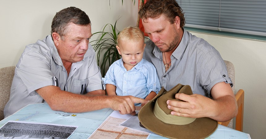 The Smith family honours an Anzac IMAGE