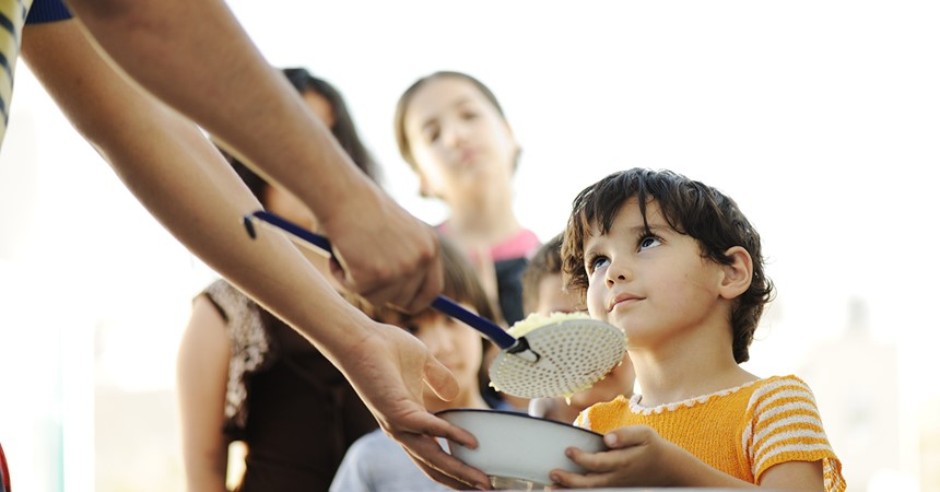 Feeding the needy in Rome IMAGE