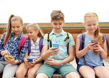Did your child get a mobile phone for Christmas? It's time to set some ground rules IMAGE