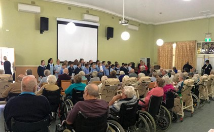 Image:Touching the hearts of nursing home residents