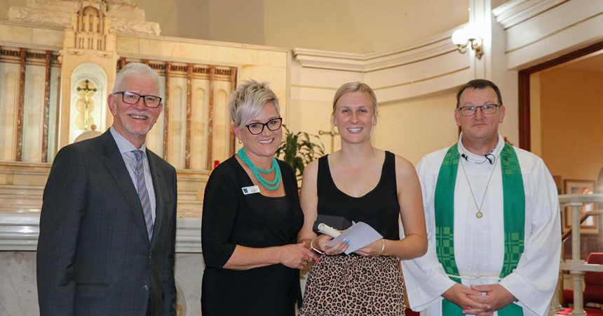 Louise Barnes receives Emmaus Award for School Support IMAGE