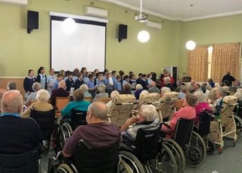 Touching the hearts of nursing home residents IMAGE
